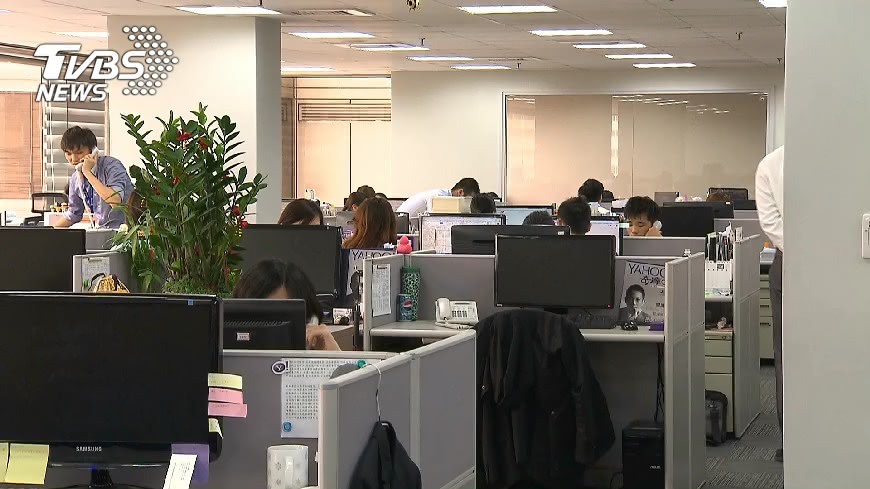 圖/TVBS 七休一鬆綁把關 勞部:提意見免申請