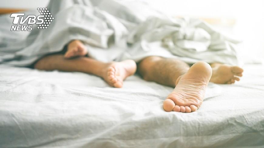 德國法蘭克福大學最新研究發現,男性結紮後夫妻性生活更加美滿,連頻率也提升。(示意圖/TVBS) 男人結紮後更勇猛!研究:妻子都說讚