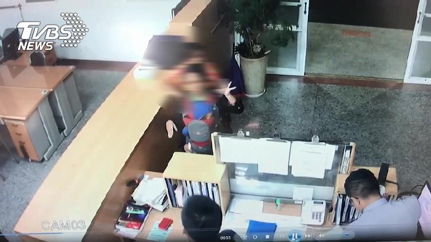 圖/TVBS 偵辦疑抱童案未開三聯單 懲處疏失警察