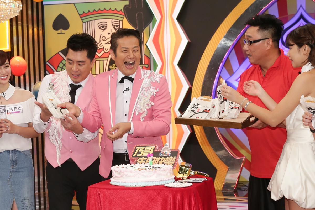 徐乃麟錄中天《天天樂財神》慶祝58歲生日,預計再7年退休。圖/鏡週刊